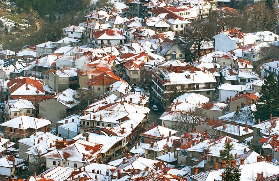 Το Μέτσοβο, χτισμένο στις βόρειες πλαγιές της Πίνδου, είναι συχνά χιονισμένο. (Φωτογραφία: Τζούλια Κλήμη)