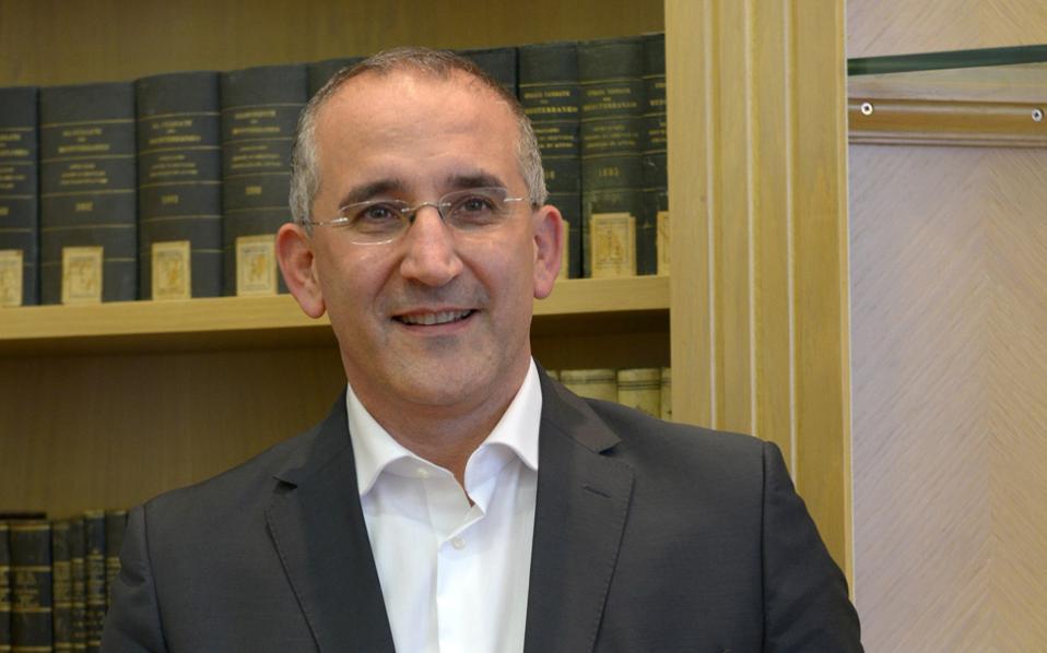 «Θεωρούμε τους υπαλλήλους της ΤΡΑΙΝΟΣΕ μέλη μιας μεγάλης ευρύτερης ευρωπαϊκής οικογένειας, όπου ήδη ανήκουν περίπου 70.000 άνθρωποι», τονίζει στην «Κ» ο κ. Ματζοντσίνι.