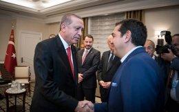 Η ελληνική πλευρά θεωρεί βέβαιο ότι ο Τούρκος πρόεδρος θα κάνει κινήσεις εντυπωσιασμού, όχι όμως ουσίας. Στη φωτογραφία, Ερντογάν και Τσίπρας κατά τη συνάντησή τους στη Νέα Υόρκη τον περασμένο Σεπτέμβριο.