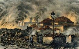 Οι φλόγες έπληξαν αδιάκριτα μοντέρνες συνοικίες της παραλίας και της οδού Αγίας Σοφίας, ναούς, τζαμιά, δημόσια κτίρια, σχολεία, μεσαιωνικές σκεπαστές αγορές και δαιδαλώδεις φτωχογειτονιές.