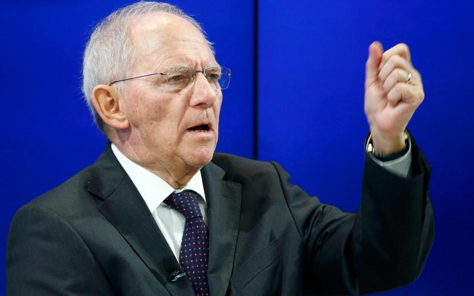 Ο κ. Σόιμπλε έχει δηλώσει σε συνέντευξή του στην εφημερίδα «Ζιντόιτσε Τσάιτουνγκ» ότι θα μπορούσε να υπάρξει ένα πρόγραμμα χωρίς το Ταμείο, υπό την ομπρέλα του Ευρωπαϊκού Μηχανισμού Στήριξης, αλλά με «ενισχυμένες εγγυήσεις και προϋποθέσεις».