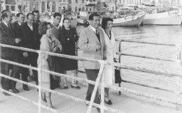 Απρίλιος 1964. Ο Aντώνης Αμπατιέλος αποφυλακίζεται από τις φυλακές της Αίγινας. Η πολιτική των μέτρων ειρηνεύσεως συνεχίστηκε και τα επόμενα χρόνια, για να ενταθεί με τις αποφυλακίσεις των αρχών του 1966.