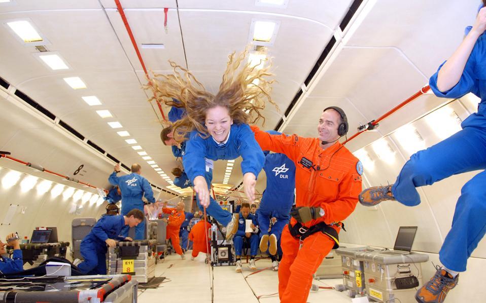 Η πρώτη εμπειρία της Ολυμπίας Κυριοπούλου από την έλλειψη βαρύτητας έγινε πριν από κάποια χρόνια, στο πλαίσιο του διδακτορικού της. Τώρα φιλοδοξεί να την επαναλάβει, ως η πρώτη Γερμανίδα (και ταυτόχρονα Ελληνίδα) αστροναύτης.