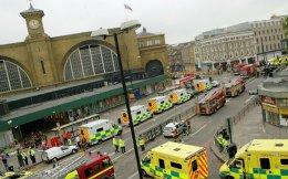 Μία έκρηξη στον Υπόγειο του Λονδίνου συνδέεται με την Αθήνα, μέσα από τη μητρική διαίσθηση.