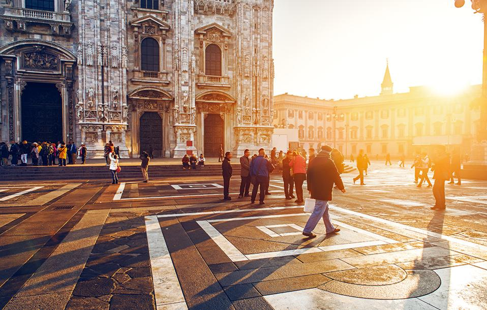 ce3b7d423c02 5  shutterstock 526299613  gettyimages-565262043  159a8258   shutterstock 538385095. Η Piazza del Duomo ...