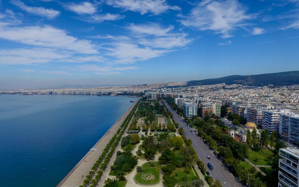 Η παραλία της Θεσσαλονίκης με τους νέους κήπους της.