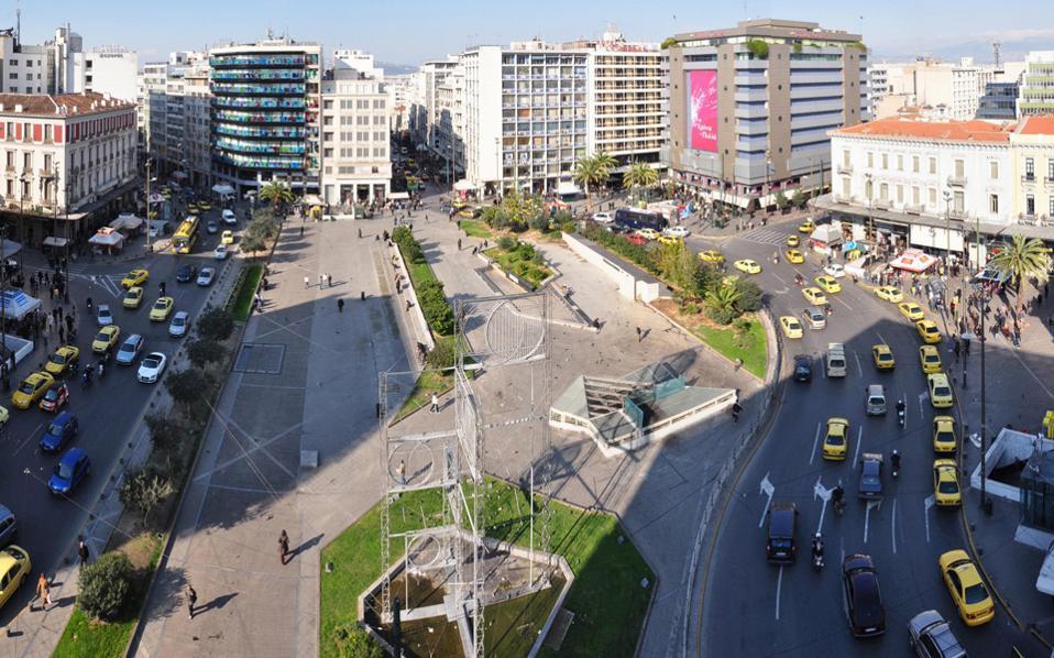Το ενδιαφέρον επικεντρώνεται ιδιαιτέρως πέριξ της πλατείας Ομονοίας, είτε με την επαναλειτουργία παλαιών μονάδων είτε με τη μετασκευή υφιστάμενων κτιρίων. Πρόκειται για 5 κτιριακές εγκαταστάσεις οι οποίες θα αξιοποιηθούν ως ξενοδοχειακές μονάδες.