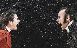 Η Μαριάνθη Παντελοπούλου στον ρόλο της Κάθριν και ο Γιώργος Γλάστρας, που ενσαρκώνει τον Χίθκλιφ.