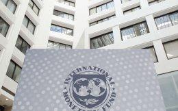 Στο προσχέδιο των συμπερασμάτων της συνεδρίασης, το ΔΝΤ σημειώνει ότι «οι δημοσιονομικές μεταρρυθμίσεις που επελέγησαν δεν είναι φιλικές προς την ανάπτυξη, ενώ δεν έχει επιτευχθεί ακόμα η πλήρης εφαρμογή τους».