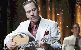 Η έναρξη γίνεται με το «Django» του Ετιέν Κομάρ, για τη ζωή του διάσημου Τσιγγάνου μουσικού Τζάνγκο Ράινχαρντ.
