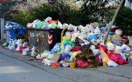 Με μεγάλες καθυστερήσεις θα λυθεί το πολυετές πρόβλημα της διαχείρισης απορριμμάτων στην Πελοπόννησο.