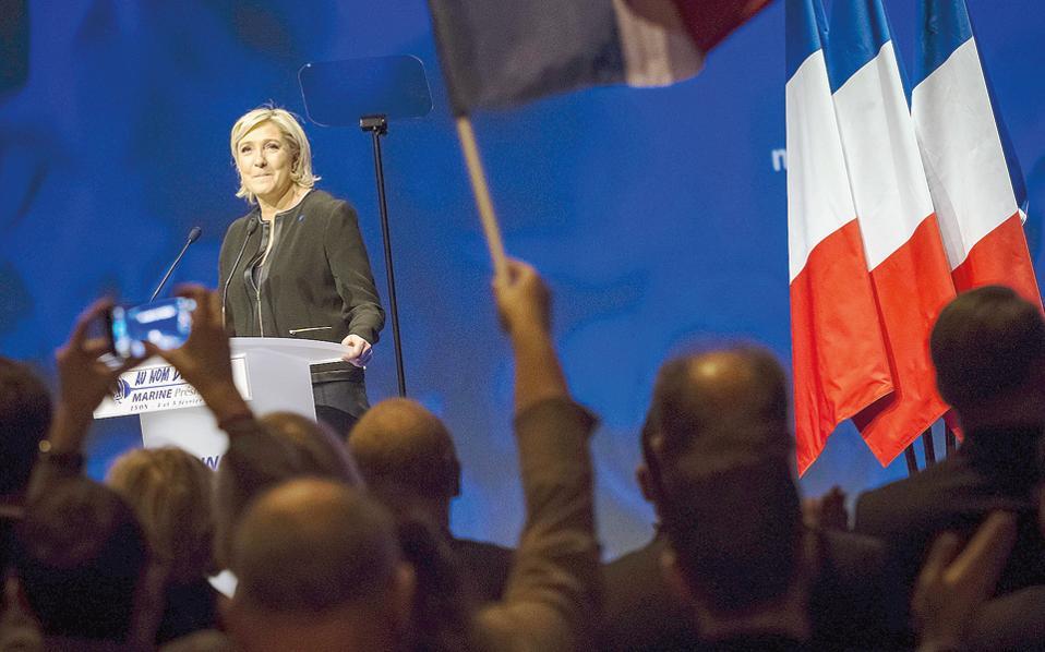 Η ανησυχία για τις πολιτικές επιπτώσεις που θα μπορούσε να έχει στη Γαλλία και σε ολόκληρη την Ευρωπαϊκή Ενωση ενδεχόμενη επικράτηση της κ. Λεπέν αποτυπώνεται κυρίως στην αύξηση του spread μεταξύ γαλλικού και γερμανικού δεκαετούς ομολόγου. Η διαφορά ανήλθε χθες στις 77 μονάδες βάσης.