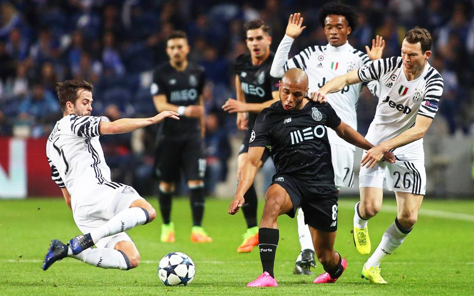 Η Γιουβέντους πέτυχε δύο γρήγορα γκολ επί της Πόρτο και έκανε πιο εύκολη τη ρεβάνς της 14ης Μαρτίου στο Τορίνο.