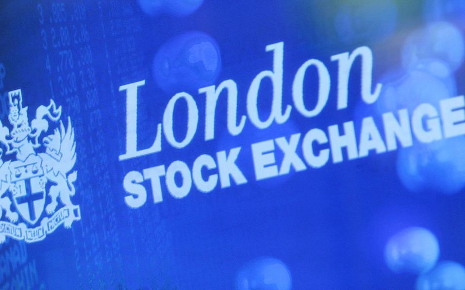 Χθες στο Λονδίνο ο Ftse 100 έκλεισε με άνοδο 0,38%, στο Παρίσι ο Cac 40 είχε οριακά κέρδη 0,15%, ενώ στη Φρανκφούρτη ο Dax έκλεισε με θετικό πρόσημο (+0,26%).