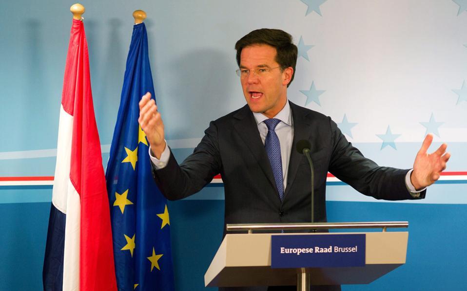Ο Φιλελεύθερος πρωθυπουργός της Ολλανδίας, Μαρκ Ρούτε, «τρέφεται» από την αναμέτρηση με τον Βίλντερς, γιατί τον κάνει να μοιάζει... συμπαθής.
