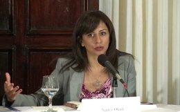 Η Αιγύπτια ακτιβίστρια Νάνσι Οκάιλ, εκτελεστική διευθύντρια του Tahrir Institute for Middle East Policy, θα μιλήσει στο Οικονομικό Φόρουμ των Δελφών.
