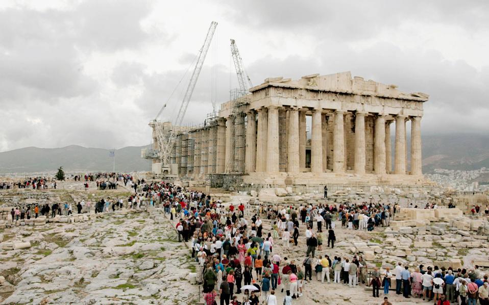 Στην πανεπιστημιακή έρευνα τέσσερις στους 10 ερωτωμένους απάντησαν ότι τα μνημεία «ΔΕΝ πρέπει να σχετίζονται με την οικονομική ανάπτυξη».