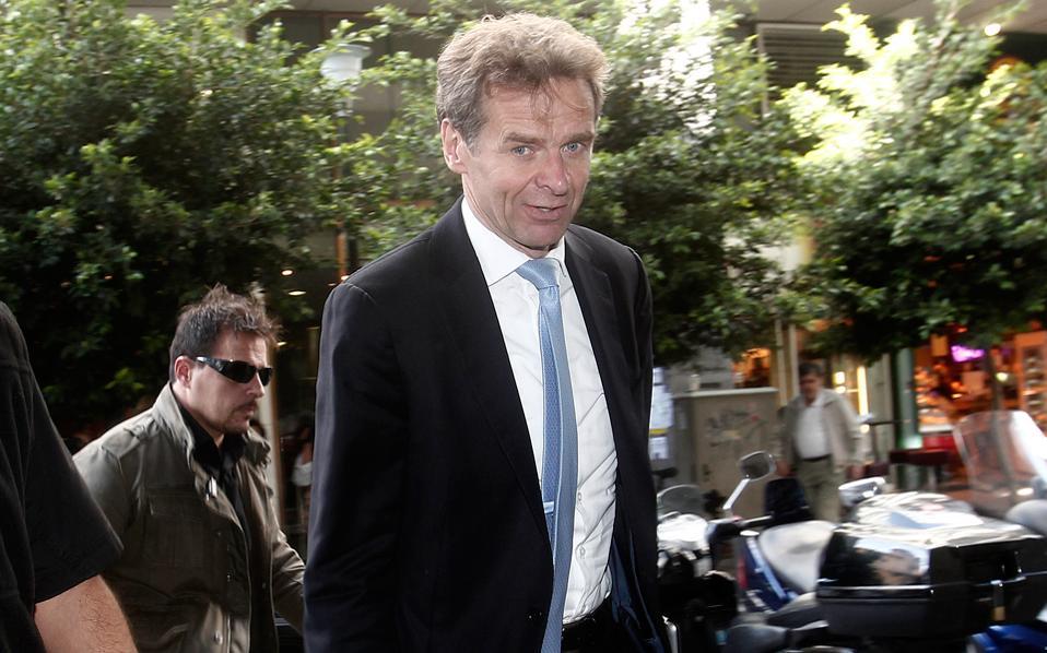 «Θα αλλάξουμε την πρόβλεψή μας, εάν τα στοιχεία αποδείξουν ότι είμαστε πολύ απαισιόδοξοι», δήλωσε ο διευθυντής του Ευρωπαϊκού Τμήματος του ΔΝΤ, Πόουλ Τόμσεν.