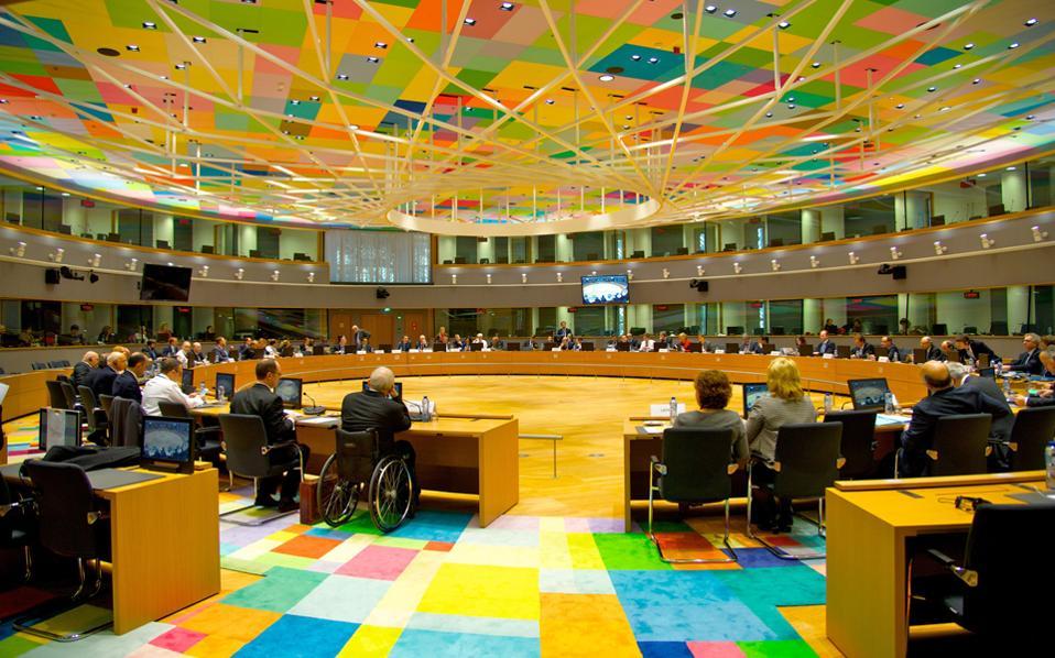 Δεν είναι τυχαίο ότι στην ατζέντα του Eurogroup της ερχόμενης Δευτέρας, που ανακοινώθηκε χθες στις Βρυξέλλες, το θέμα της Ελλάδας βρίσκεται στις τελευταίες θέσεις και δεν γίνεται καμία αναφορά περί συμφωνίας σε τεχνικό επίπεδο.
