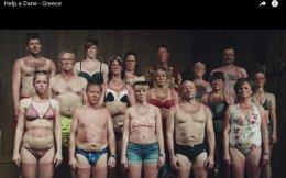 Εχουν εκπλαγεί οι Δανοί, με το κύμα συμπαράστασης, μετά το βίντεο που ανέβασαν στο YouTube.