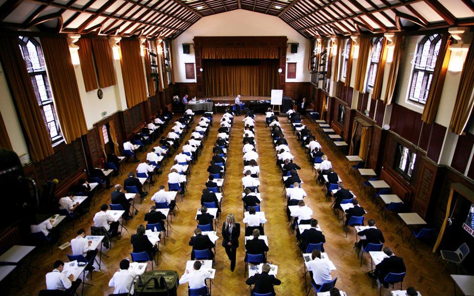 Οι επενδυτές αναζητούν ευκαιρίες σε χώρες με μεγάλο αριθμό φοιτητών.