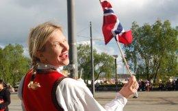 Η Νορβηγία θωρακίζεται απέναντι στην άνοδο και στην πτώση, στη διάρκεια των διαφόρων οικονομικών κύκλων. Αυτό το επιτυγχάνει έχοντας εξασφαλίσει την κοινωνική συναίνεση μεταξύ των πολιτών της με αμοιβαία πίστη, γενναιοδωρία, κοινό όραμα και ορθή διακυβέρνηση.