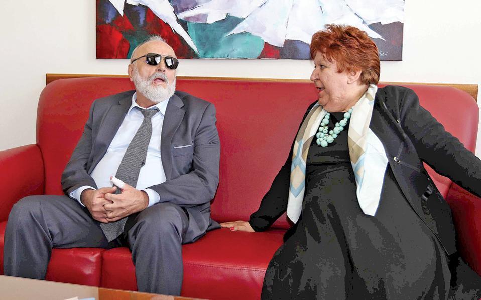 Υψηλές επαφές. Ο υπουργός Π. Κουρουμπλής με τη δήμαρχο Καβάλας, κ. Δ. Τσανάκα.