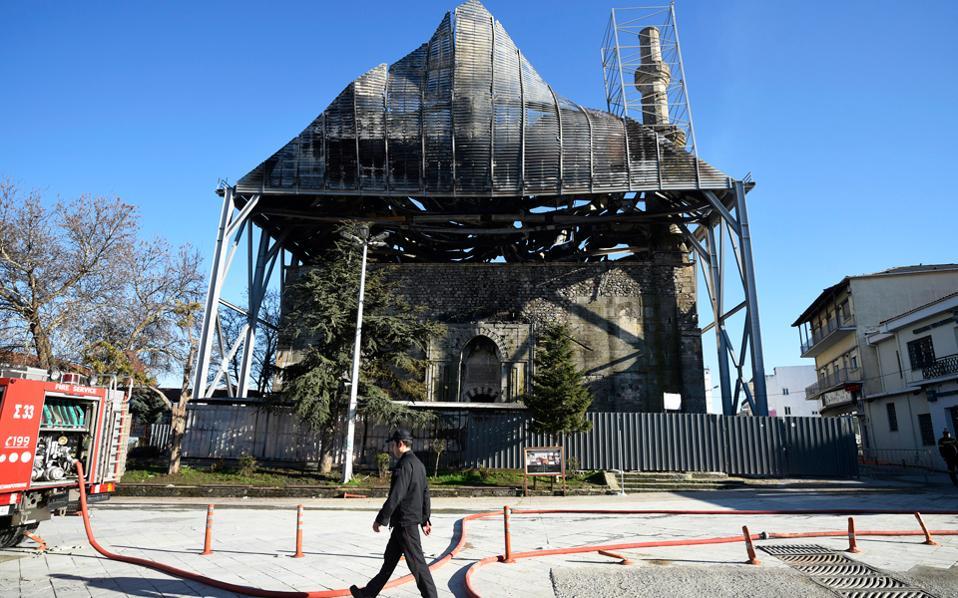Η αποκατάσταση του τεμένους, έργο ενταγμένο στο ΕΣΠΑ 2007-13, «έτρεχε» από το 2012 έως το 2014 σχετικά ικανοποιητικά και έκτοτε βάλτωσε.