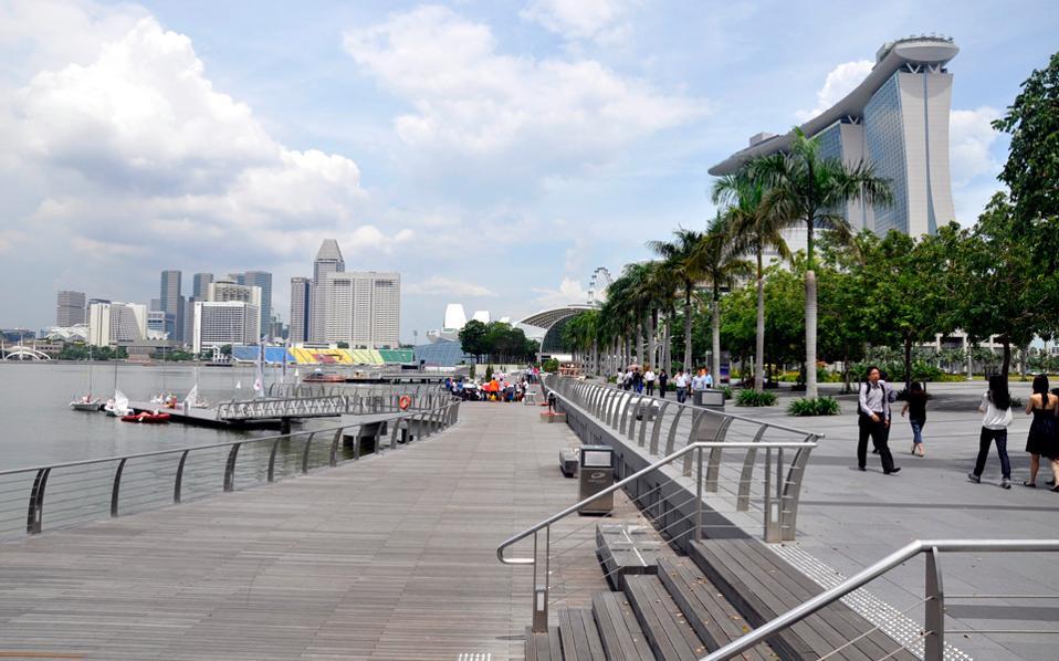 Οι τέσσερις από τις πέντε ακριβότερες πόλεις στον κόσμο βρίσκονται στην Ασία, που αντιπροσωπεύει το 40% της παγκόσμιας οικονομίας.