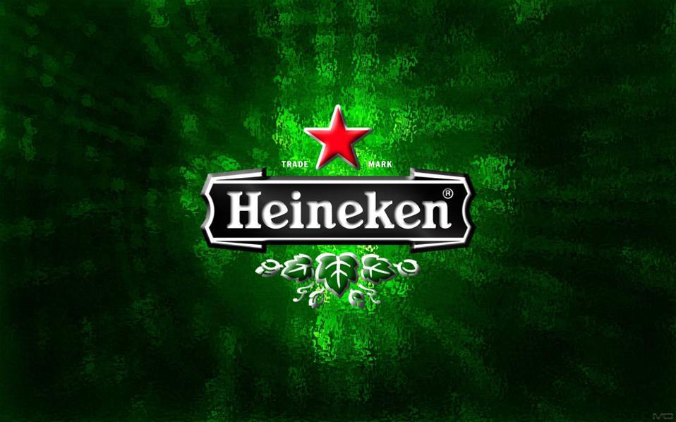 Ο αναπληρωτής πρωθυπουργός της Ουγγαρίας Ζολτ Σέμτζεν δήλωσε ότι το κόκκινο αστέρι που υπάρχει στα μπουκάλια της Heineken έχει «εμφανώς πολιτικό περιεχόμενο».