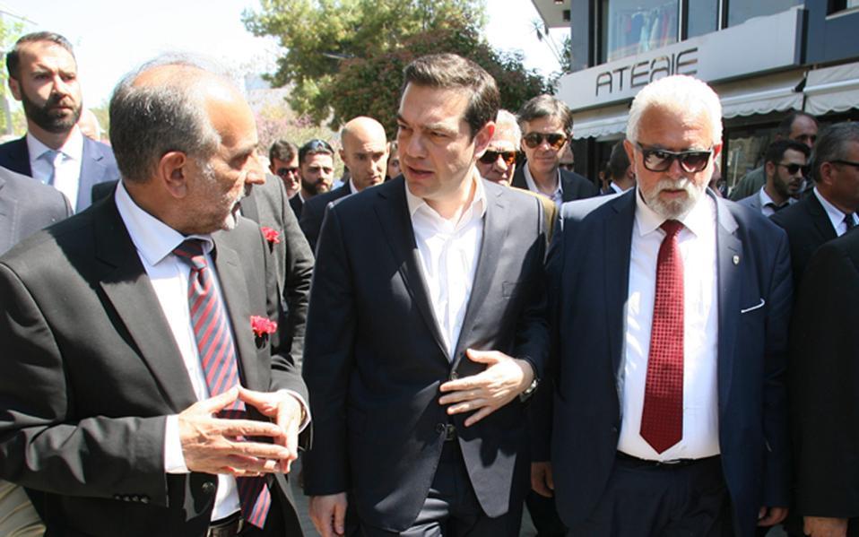 Ο πρωθυπουργός Αλ. Τσίπρας έχει ανεβάσει τους τόνους όσον αφορά τα εργασιακά και προσδοκά ανταλλάγματα έναντι των υποχωρήσεων που θα κάνει η κυβέρνηση στα υπόλοιπα ζητήματα.