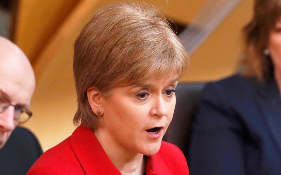 Η πρωθυπουργός της Σκωτίας Νίκολα Στέρτζον υποστήριξε την πρόταση για διεξαγωγή νέου δημοψηφίσματος.