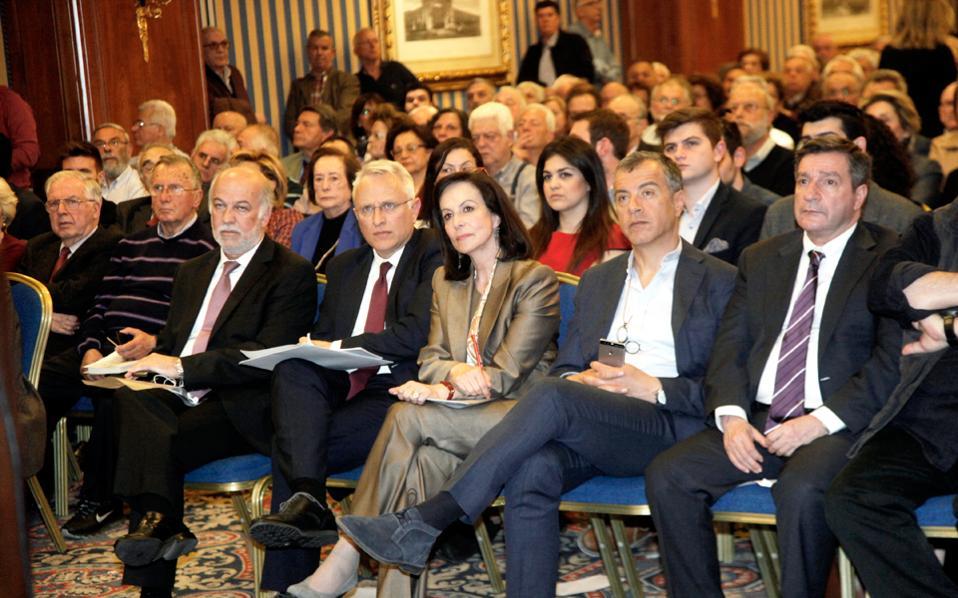 Γ. Φλωρίδης, Γ. Ραγκούσης, Αννα Διαμαντοπούλου, Στ. Θεοδωράκης και Γ. Καμίνης, κατά τη χθεσινή εκδήλωση της Ωρας Αποφάσεων.