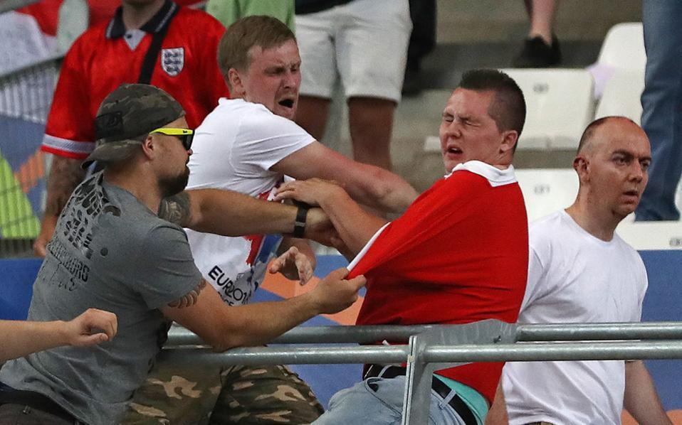 Στα σοκαριστικά περιστατικά στις γαλλικές πόλεις κατά τη διάρκεια του EURO 2016, με τους Ρώσους χούλιγκαν να επιτίθενται στους Αγγλους, οι πρώτοι έδειξαν ότι πήγαν οργανωμένα και πειθαρχημένα για συγκρούσεις.
