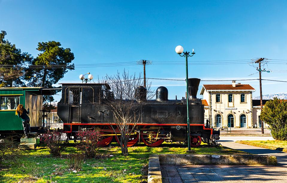 kouris_trikala_moutzouris_railway_station_0350