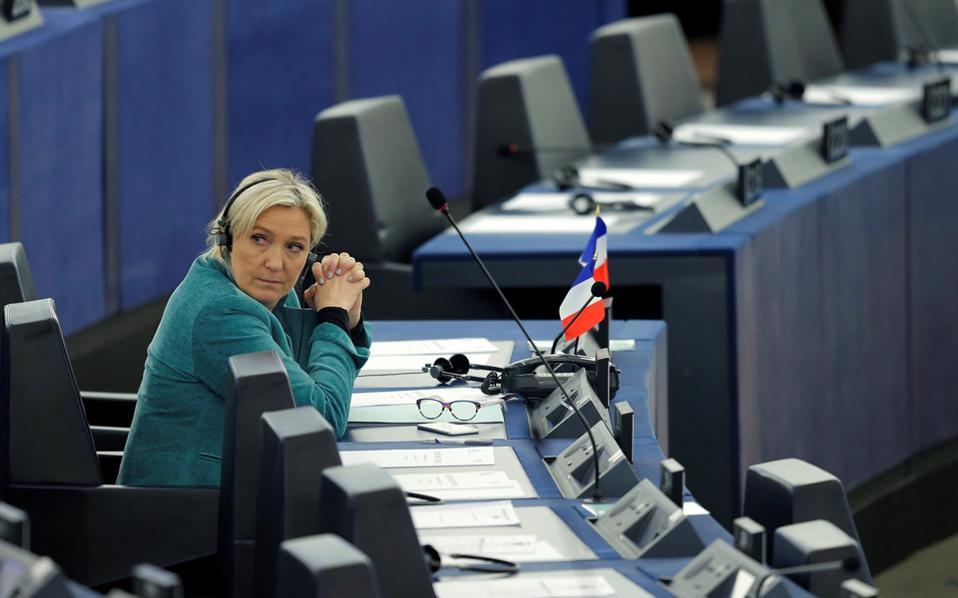 Η Μαρίν Λεπέν στα έδρανα του Ευρωκοινοβουλίου.