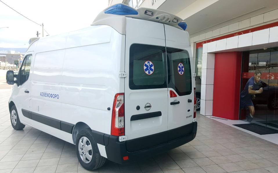 nv400-ambulance3
