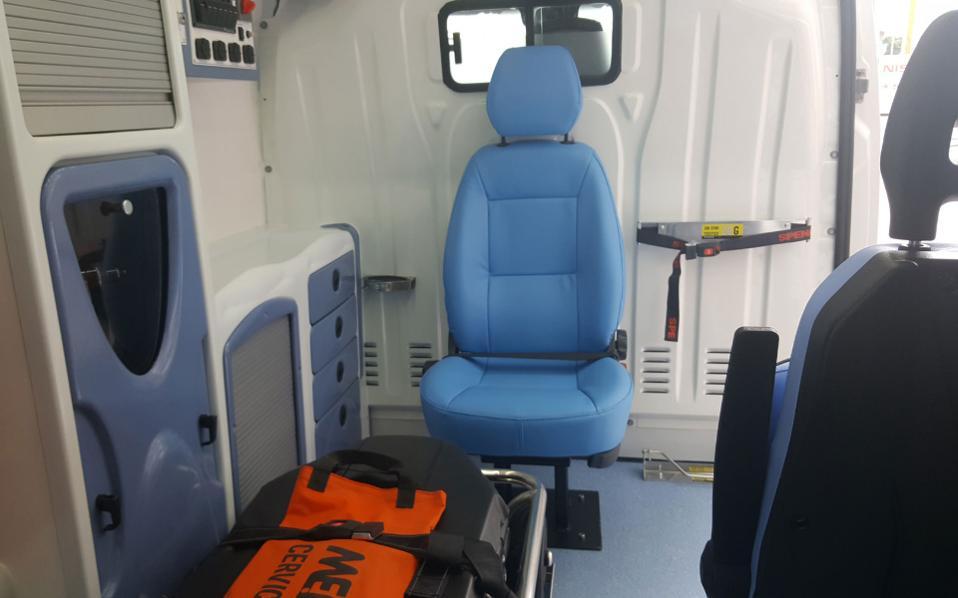 nv400-ambulance5