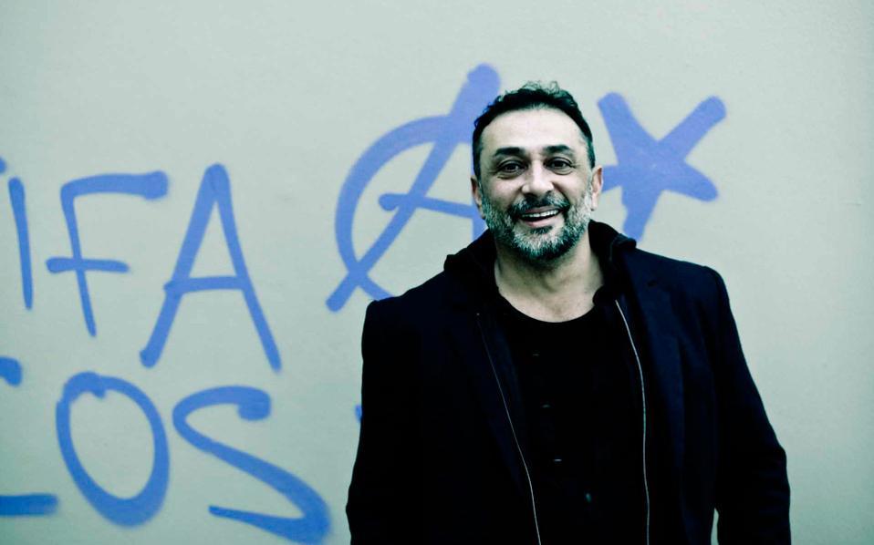 Ο Βασίλης Κουκαλάνι είναι εκ των πρωταγωνιστών του «Amerika Square», που προβάλλεται ήδη στις αίθουσες.