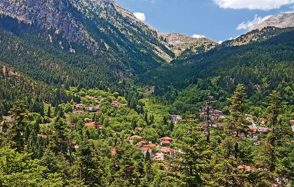 Το χωριό Αθανάσιος  Διάκος σε υψόμετρο 1.100 μ. (Φωτογραφία: SHUTTERSTOCK)