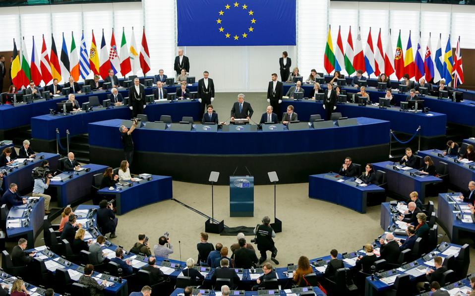 Για τη μείωση της ανεργίας χρειάζεται μια Ευρώπη πιο ανταγωνιστική και προσανατολισμένη στην πραγματική οικονομία, τονίζει ο πρόεδρος του Ευρωπαϊκού Κοινοβουλίου, Αντόνιο Ταγιάνι.