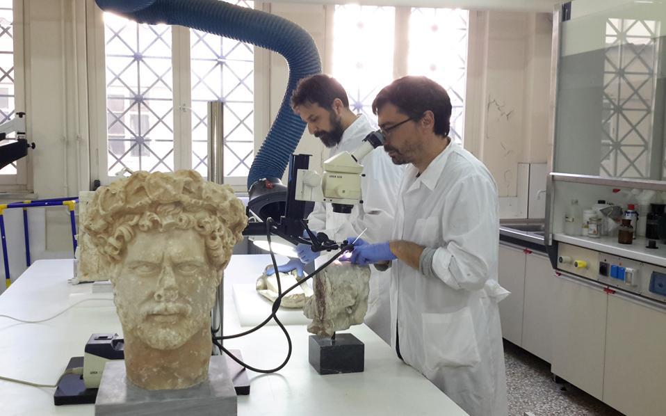 Τα εργαστήρια του Εθνικού Αρχαιολογικού Μουσείου αποκαλύπτουν τα μυστικά τους.