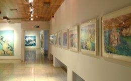 Τα έργα της Μαρίαs Λάσνιγκ, που εκτίθενται στην Πινακοθήκη του Δήμου Αθηναίων έως τις 16 Ιουλίου, αποτελούν «οχήματα» για το πώς βλέπουμε τον εαυτό μας, αλλά και πώς μας βλέπει ο κόσμος.