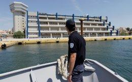 «Εχω κατέβει να κάνω τον τροχονόμο στο λιμάνι, να φυλάω πορείες του ΠΑΜΕ, να προσέχω πρόσφυγες», λέει ο Α.Ρ.