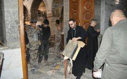 Ο Ιρακινός Jacob Saadi ήταν από τους πρώτους ιερείς που είδαν τις εικόνες καταστροφής. Συνοδός του τον θυμάται να δακρύζει.