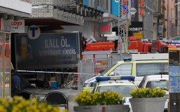 Το κλεμμένο φορτηγό έχει «εισβάλει» σε εμπορικό κατάστημα της Στοκχόλμης, σκοτώνοντας τέσσερα άτομα.