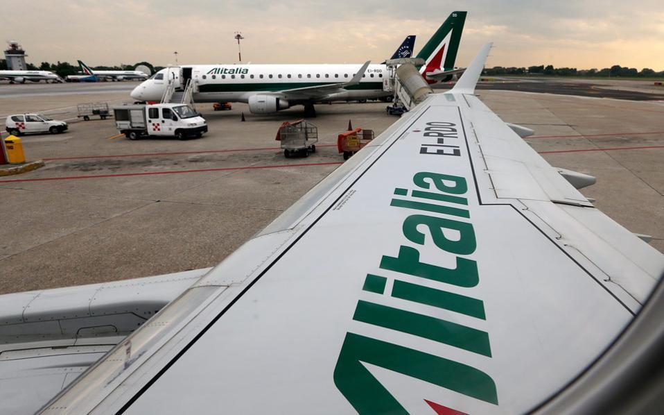 Αποτέλεσμα εικόνας για Οι εργαζόμενοι της Alitalia απέρριψαν το σχέδιο αναδιάρθρωσης της εταιρείας