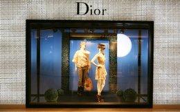 Θετική ήταν η στάση των επενδυτών προς τον οίκο Dior, με την τιμή της μετοχής του να ενισχύεται χθες κατά 13% στα επίπεδα-ρεκόρ των 256 ευρώ.