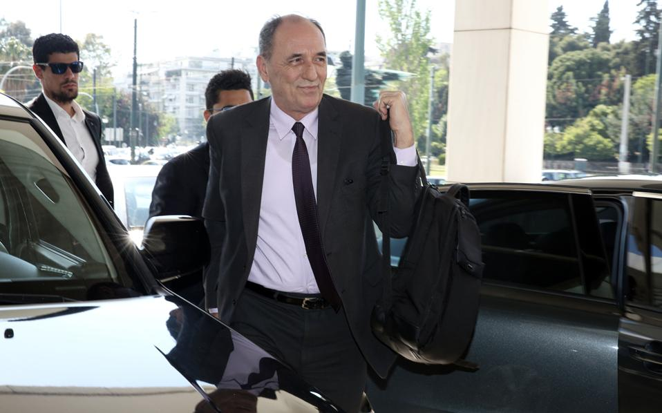 Για μικροδιαφορές στο πακέτο των ενεργειακών μεταρρυθμίσεων, που μέχρι την Παρασκευή θα κλείσουν, έκανε λόγο ο υπουργός Περιβάλλοντος και Ενέργειας Γιώργος Σταθάκης, αμέσως μετά τη συνάντηση με τους θεσμούς.