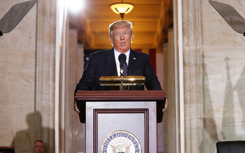 Στόχος της φορολογικής μεταρρύθμισης του νέου προέδρου είναι η ανάπτυξη της αμερικανικής οικονομίας με ταχύτερους ρυθμούς.